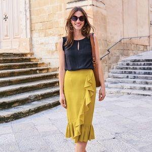 Boden linen pencil skirt. Size 6 (runs small)